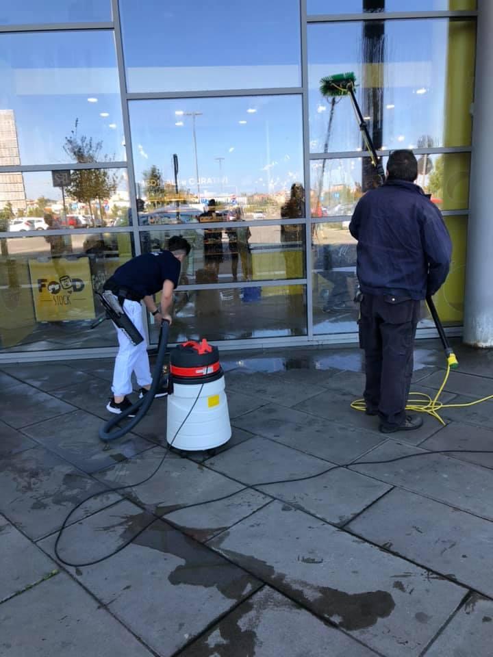 pulizia vetrate livorno rc service
