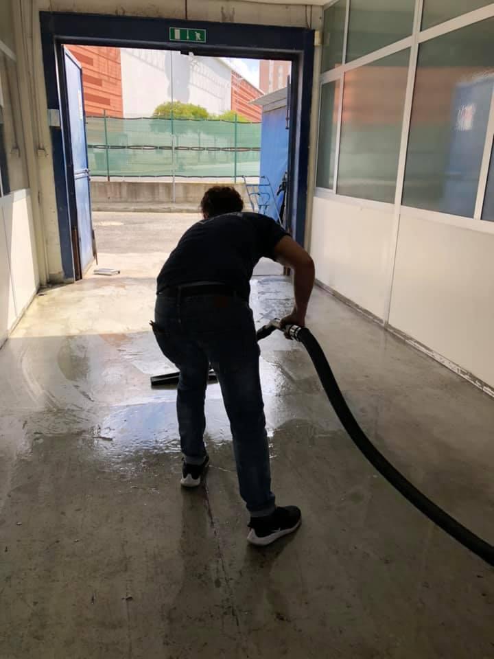 pulizia concessionaria auto rc sercice livorno