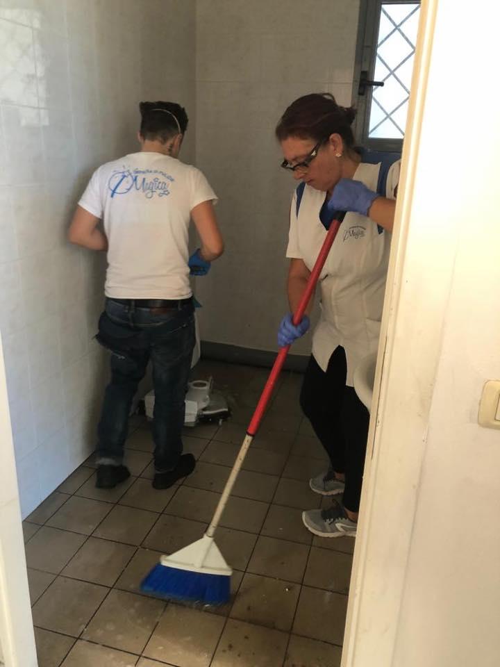 pulizia pavimenti ambienti di lavoro