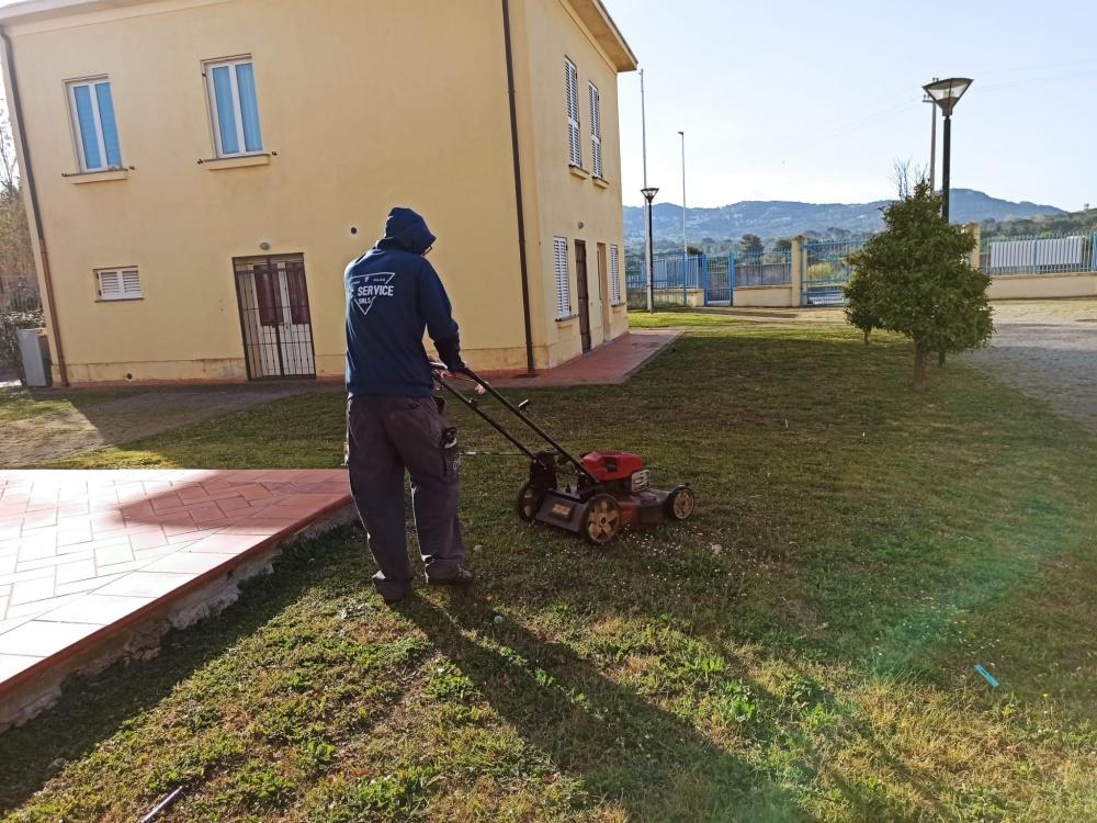 pulizia giardini condominiali livorno